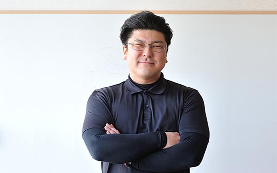 ホワイトハウス 代表取締役 鈴木 祐弥